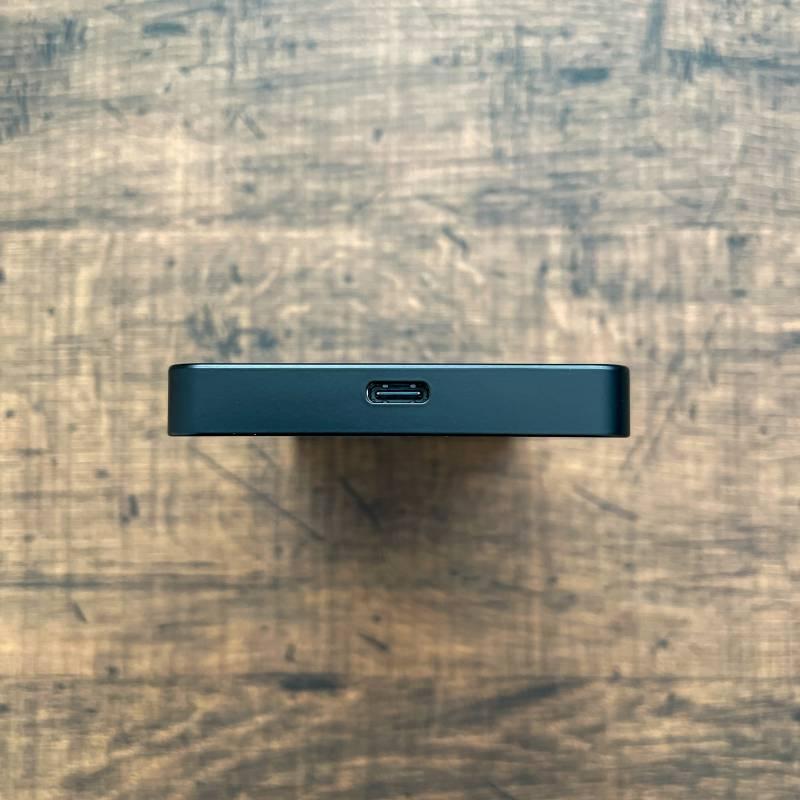 U3の充電ポートはMicro USB