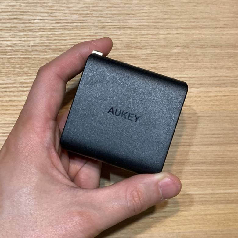 AUKEY PA-Y10は小型のUSB-C充電器