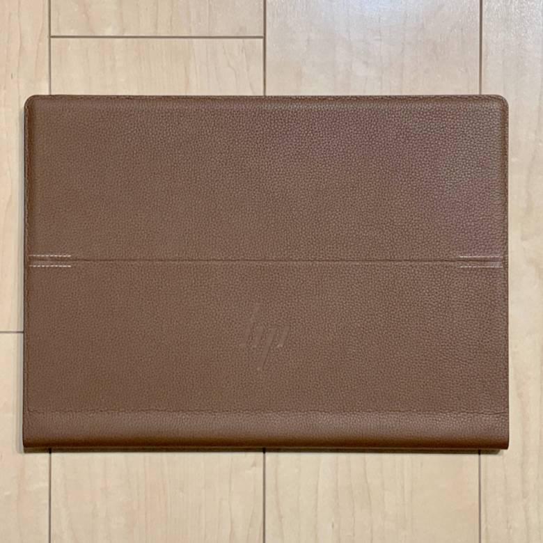 HP Spectre Folio 13のカラーはコニャックブラウン
