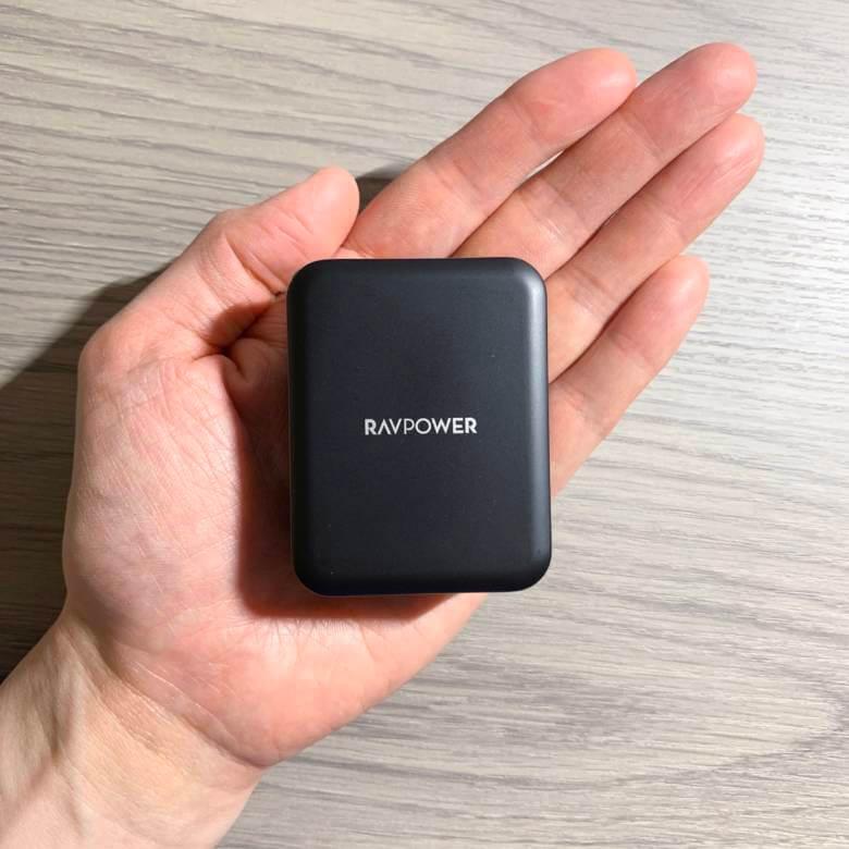 RAVPower RP-PC060は3ポートUSB急速充電器で最小・最軽量クラス