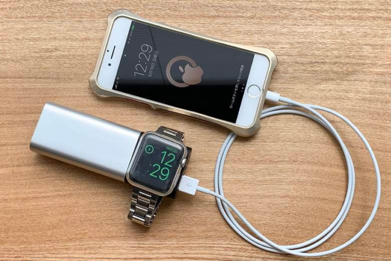 belkin Valet Charger Power PackはApple Watchとスマホの同時充電が可能