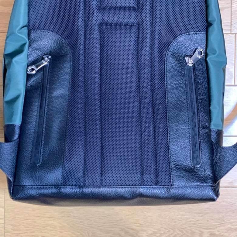 HMAEN F PACKER BIZの背面ポケット