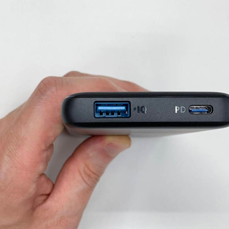 Anker PowerCore Slim 10000 PDのPower IQ対応のUSBタイプA端子