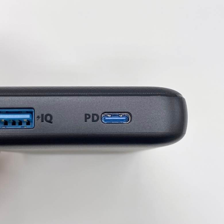 Anker PowerCore Essential 20000 PDのUSB-Cは入出力に対応