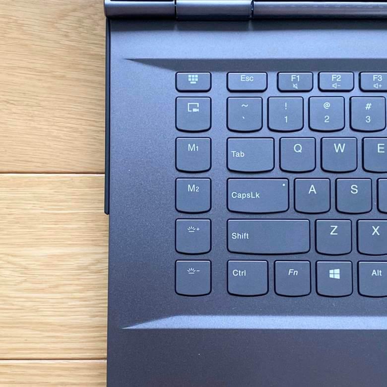 Legion Y740(15)のキーボードは左側にマクロキーや配信ボタンを搭載する