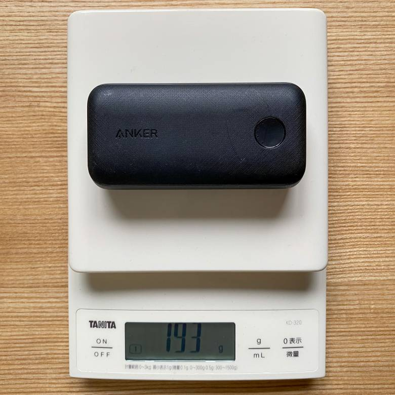 Anker PowerCore 10000 PD Reduxの重さは約193g